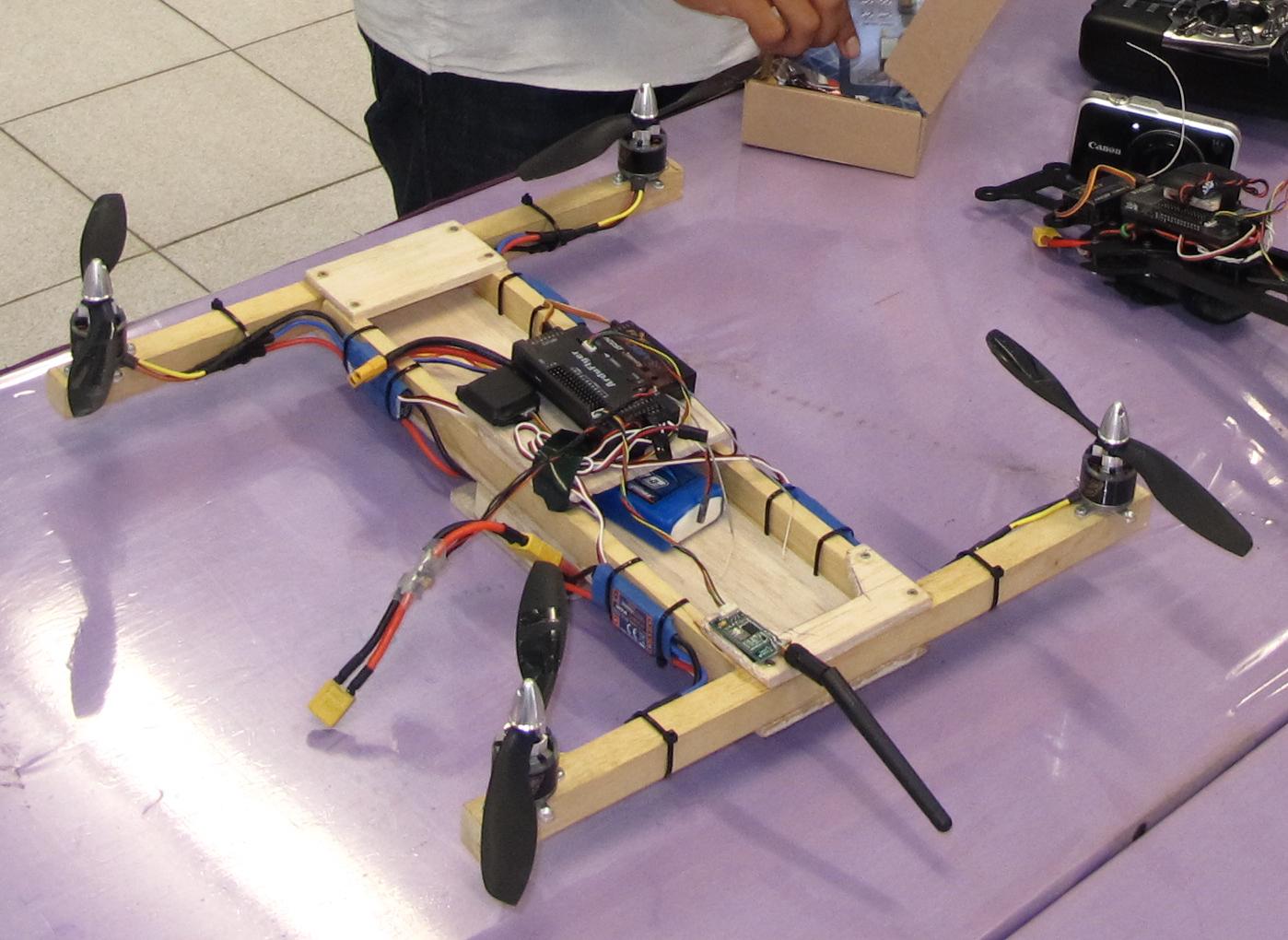 Drone-Rakitan-dari-Kayu