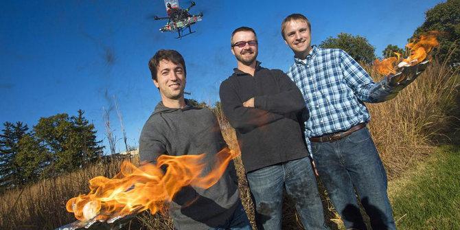 pakai-bola-api-drone-ini-mampu-cegah-meluasnya-kebakaran-hutan