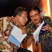 Menko Perekonomian, Darmin Nasution berbincang dengan Menteri ATR_BPN, Sofyan Djalil