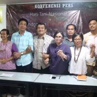 Pembicara Konferensi Pers Komite Nasional Pembaruan Agraria (KNPA) menyambut Hari Tani Nasional tahun 2017 pada Minggu (24_9) di Seknas KPA Jakarta