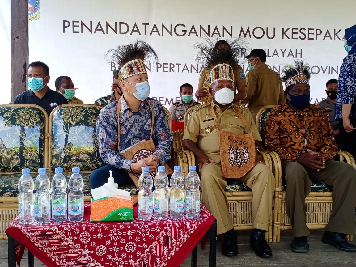 Wamen ATR, Surya Tjandra Kunjungi Papua tegaskan pentingnya Pemetaan Wilayah Adat (1)